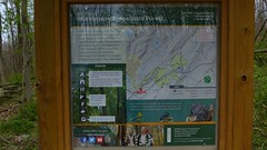 Very nice Kiosk - P1300240 (Toby Garden) Tags: new york ny yellow forest port state hike ridge trail poppy jervis huckleberry woood