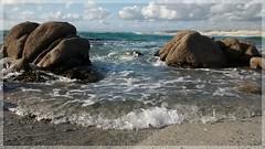 Pointe de la Torche (Solne O) Tags: sea mer seascape de landscape la bretagne breizh ciel pointe bateau vague plage rocher quimper finistre torche pointedelatorche landevennec
