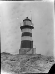 Harmaja; majakka kalliolla lhikuvassa (KansallisarkistoKA) Tags: lighthouse beacon 1896 harmaja majakka