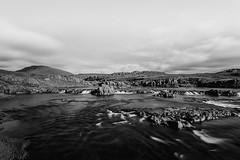 Am Flusse Grimsá / sw (Panasonikon) Tags: iceland island fluss wolken bw lzb grimsá nikond5100 panasonikon sigma1020 landschaft landscape clouds weitwinkel