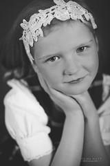 _DSC8157 (SteinaMatt) Tags: portrait white black girl matt photography faces expression steinunn ljsmyndun steina matthasdttir dagbjrtmara steinamatt