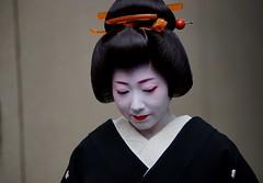 (--3 (nobuflickr) Tags: japan kyoto maiko geiko       miyagawachou  20160118dsc08846