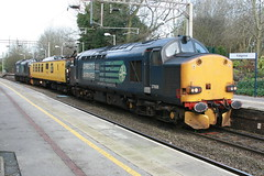 37608 975091 37606 @ Kidsgrove (uksean13) Tags: station yellow canon mentor growler drs networkrail ef28135mmf3556isusm kidsgrove 37608 37606 400d testtrain 975091