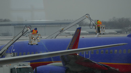 De-Icing Midway Chicago