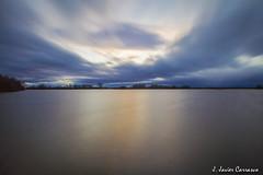 Remanso (AvideCai) Tags: atardecer agua paisaje cielo nubes laguna reflejos largaexposición sigma1020 avidecai