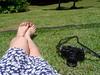 29/366 Peace and photography (JessicaBelotto) Tags: feet sol floral day foto ar relaxing dia days honey grama pés antiga zenit ao fotografia livre vestido câmera estampa fotografando 366 relaxando 366daysofhoney 366diasnoano