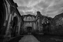 Ruinas con encanto (J Fuentes) Tags: sky bw blancoynegro blanco church blackwhite ruins flickr negro iglesia save zaragoza ruinas cielo nubes monasterio piedra romnico aragn calatayud nuvalos