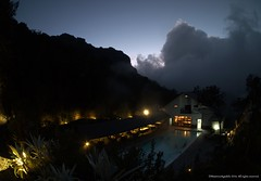 Termales del Ruiz (Ivan Mauricio Agudelo Velasquez) Tags: sunset cloud atardecer hotel colombia piscina turismo nube descanso caldas paramo volcan termal azufre
