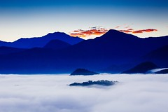 Twilight (Cheng-Yang, Chen) Tags: cloud mountain film fog sunrise dawn nantou     vsco