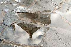 in un giorno di pioggia (maxlancio) Tags: santa florence chiesa firenze acqua pioggia croce santacroce riflesso pavimento pozzanghera