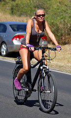Country road (RicoLeffanta) Tags: road red woman green girl bike bicycle lady female hawaii purple country gear rico pedal makaha pedalling leffanta