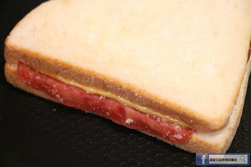 熱樂煎爆漿乳酪三明治071