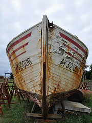 Étel - Ay 321006 (Drriss & Marrionn) Tags: travel france boats boat brittany ship outdoor ships bretagne shipwreck wreck drydock westerneurope boatrepair étel