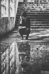 Beatriz V. - 09 (G. Goitia Fts) Tags: bw monochrome composition canon book monocromo mood gente interior scene compo location noflash bn session framing lugar abandono escena clich abandonado decadente composicin sesin monocromtico encuadre reportaje localizacin sinflash