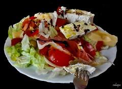 ensalada con jamon y quesos (rabapo) Tags: comer jamon ensalada quesos rabapo