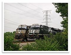 On Your Mark...Get Set... (bogray) Tags: train nose lexington ky locomotive ge sidebyside bishop norfolksouthern emd es44dc sd70m dieselelectric ns2596 ns7715