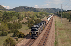 Rolling Hills of Wisconsin (wc_sd45_7500) Tags: new york nyc heritage wisconsin train central oil bnsf unit emd sd70m2