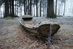 Frosty boat (- David Olsson -) Tags: old trees winter mist cold fog forest landscape boat woods nikon frost sweden frosty chain karlstad worn mysterious handheld fx vr d800 eka dimma vrmland 1635 shortdof 1635mm kanikenset davidolsson cafeaugust kanikenshamnen 1635vr