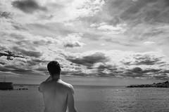 DSC_0276 (pcarvajalprez) Tags: boy sea sky beach monocromo nikon playa alicante hombre campello d3300