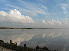 water and sky at Dollart Bay (achatphoenix) Tags: sky reflection water clouds aqua wasser tide himmel wolken cielo ems spiegelung dollart riverems dollard wattenmeer waddensea eastfrisia