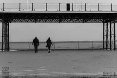 Walking on the beach (tabulator_1) Tags: blackwhite southport southportpier
