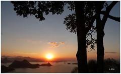Crepsculo (o.dirce) Tags: blue sunset sea sky sol nature azul mar cu montanhas anoitecer crepsculo odirce