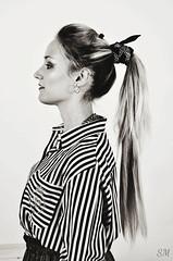 Francesca (Saramanzinali) Tags: portrait studio model francesca bianco ritratto nero capelli bionda laterale modella lunghi