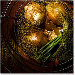 Oh Onion (Sigpho) Tags: nikon onions sigpho