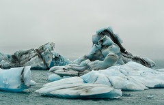 Icebergs of Jokulsarlon (thaisa1980) Tags: blue cold ice azul iceland islandia september septiembre block frio hielo icebergs bloque 2015