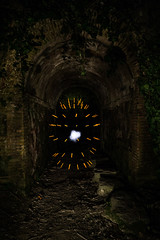 Atomo (MrDaVidU) Tags: barcelona lightpainting puente nocturna tunel atomo herramientaslightpainting