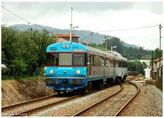 Barroselas 17-08-11 (P.Soares) Tags: train cp 450 comboio linha passageiros