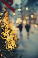 (i.Anton ) Tags: christmas street xmas bokeh christmastree christmaslights