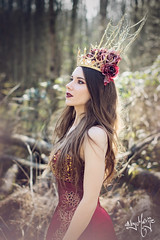 Royal Red (byMarije) Tags: royal queen fantasy magical enchanted royalred redqueen fantasyphotography shanouelise