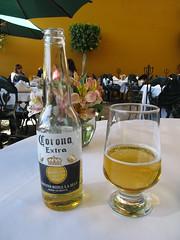 """Mexico City: una Corona por favor. Première bière mexicaine. <a style=""""margin-left:10px; font-size:0.8em;"""" href=""""http://www.flickr.com/photos/127723101@N04/25307860002/"""" target=""""_blank"""">@flickr</a>"""
