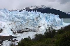 Icy tones of blue (Gregor  Samsa) Tags: trip patagonia lake argentina los december view glacier adventure vista overlook exploration viewpoint peritomoreno perito moreno glacial glaciares losglaciares