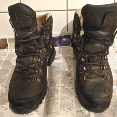 20160309 schoon (enemyke) Tags: shoes clean preparing maart 2016 bergschoenen gewassen schoon voorbereiden pixeldiary