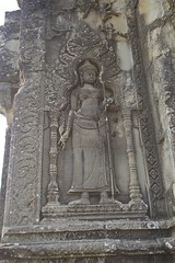 16022 Phnom Bakheng () (BY Chu) Tags: cambodia siemreap angkor phnombakheng apsara