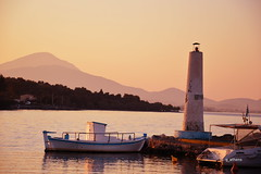 dilesi sunset (g_athens [swaping]) Tags: light sunset sea mountains port boat post    dilesi