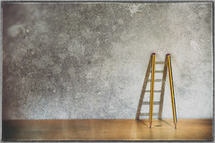 La escalera (Fernacinguer1981) Tags: stilllife pencil escalera bodegn lpiz trampantojo