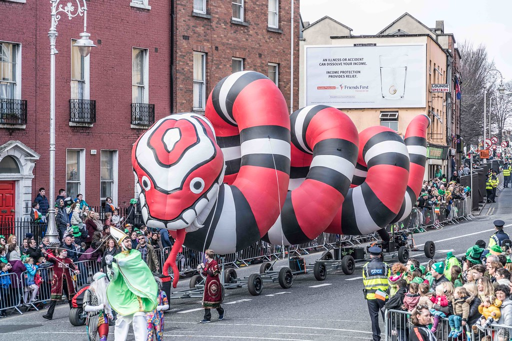 RETURN OF THE SNAKES BY BUI BOLG [SAINT PATRICK'S DAY PARADE]-112700