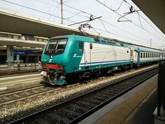 E464.508 RGV 2508 a Lingotto FS (simone.dibiase) Tags: train torino trains porta treno nuova stato trenitalia lingotto treni dello veloce 508 ferrovie regionale 2508 e464 xmpr