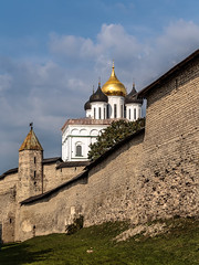 View of the Pskov Kremlin (Unicorn.mod) Tags: church canon cityscape september kremlin pskov 2015 canonef24105mmf4lisusm canoneos6d