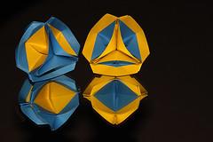Reflection (De Rode Olifant) Tags: paper 3d origami modular paperfolding diagrams miyukikawamura dualo marjansmeijsters