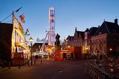 The fair came to town (McQuaide Photography) Tags: old city light holland building haarlem netherlands dutch architecture zeiss outside licht twilight lowlight europe fairground outdoor dusk sony centre nederland wideangle illuminated bluehour fullframe alpha funfair centrum oud oldbuilding kermis stad grotemarkt manfrotto noordholland marketsquare gebouw schemering c1 wideanglelens 1635mm northholland groothoek variotessar captureone mirrorless sonyzeiss mcquaidephotography a7rii ilce7rm2 captureonepro9