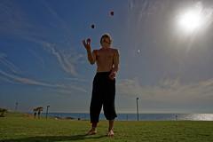 Jaffa (Hemo Kerem) Tags: street blue sky sun seascape green grass clouds canon israel telaviv sony mf 24mm juggling alpha juggler manualfocus tlv fd canonfd telavivjaffa canonfd24mmf28 a7rii sonya7rm2 a7rm2
