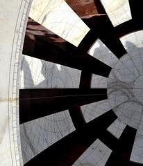 Jai Prakash Yantra (cn174) Tags: pink india sundial observatory jaipur rajasthan equinox jantarmantar pinkcity samratyantra jaiprakashyantra maharajajaisinghii