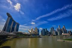 Clear Day @ Singapore (Yohsuke_NIKON_Japan) Tags: city sky urban architecture hotel nikon singapore asia southeastasia sunny bluesky clearsky marinabay d600 1635mm marinabaysands