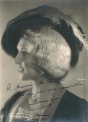 LYONEL, Suzanne, Siebel, Faust (Operabilia) Tags: autographe siebel anvers soprano faust monnaie gounod suzannelyonel thtreroyaldegand claudepascalperna