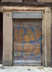 Laboratorio Qumico Pelayo (neg_ocio) Tags: cerrado juego letrero antiguo cartel tipografa tradicional negocio