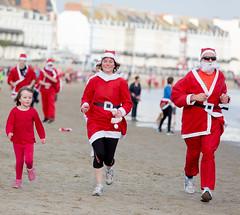 354/365 Santa Family Fun Run - 365 Project 2015 (Helen) (dorsetbays) Tags: santa christmas xmas england beach race festive fun run event dorset fatherchristmas santaclaus 365 weymouth 365project santafunrun aphotoadayforayear chasethepudding